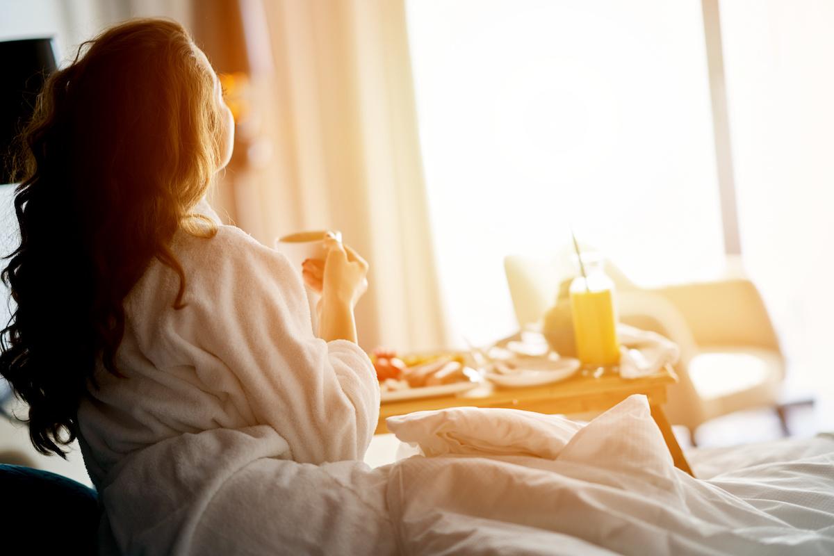 breakfast-in-bed-mom