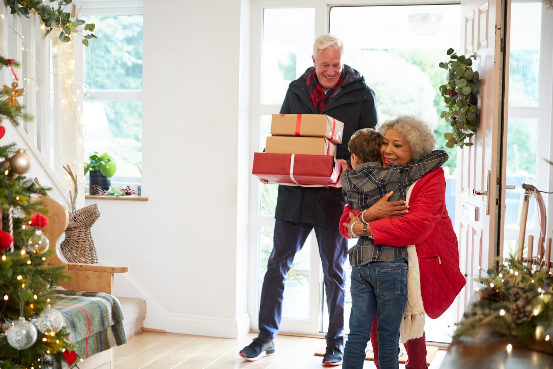 family-gathering-holidays-tips